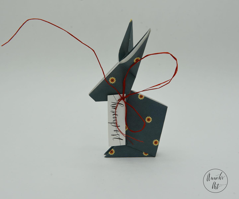 Origami-Osterhase | 15 cm | Jackie blau | dein individueller Schriftzug